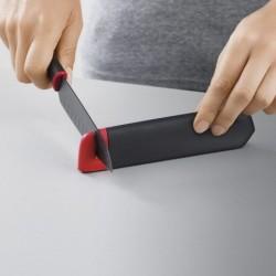 Нож сантоку в чехле со встроенной ножеточкой slice&sharpen 5