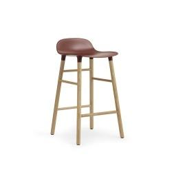 Барный стул Form с ножками из дуба 65 см, красный, Normann Copenhagen