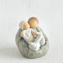 Статуэтка Willow Tree Мой новорожденный малыш (с братом) (My new baby)